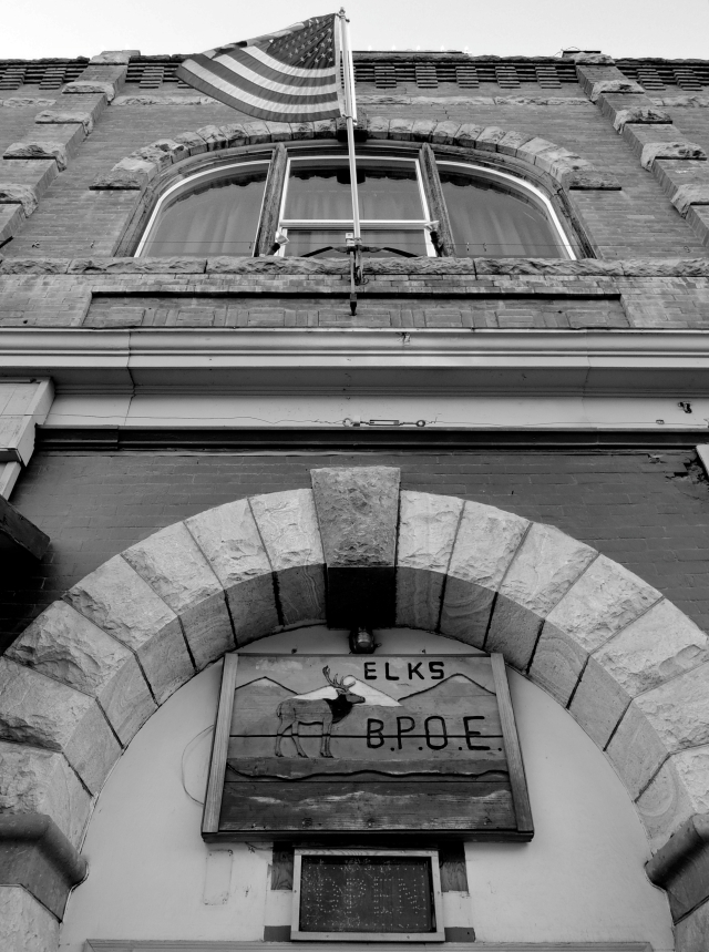 Lodge, Yreka, CA © C. Bronsk